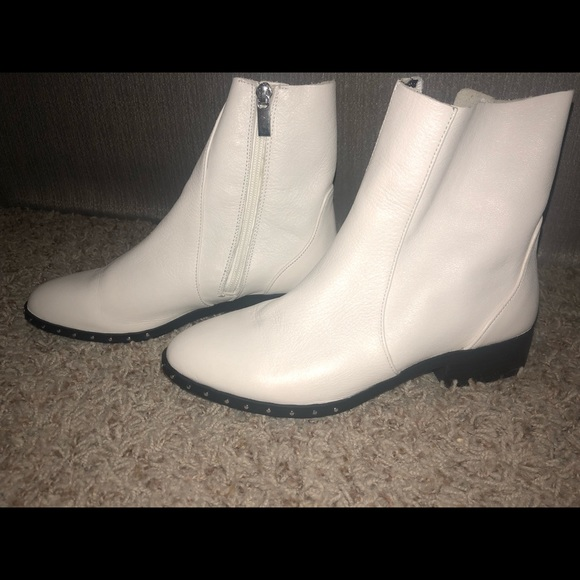 83a54e898 Topshop Shoes | White Leather Flat Booties | Poshmark